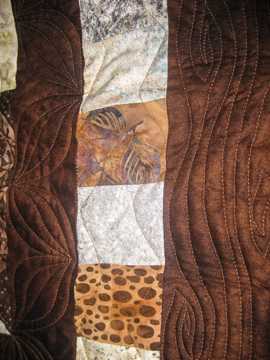 hand-guided-woodgrain-quilt-design-sample